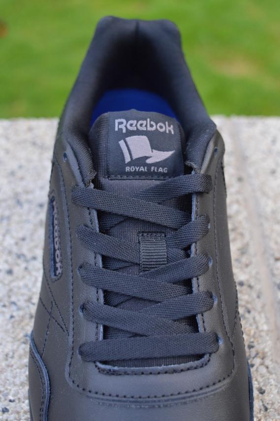 Schwarze Reebok Sneaker gebrüder götz Ari Sunshine