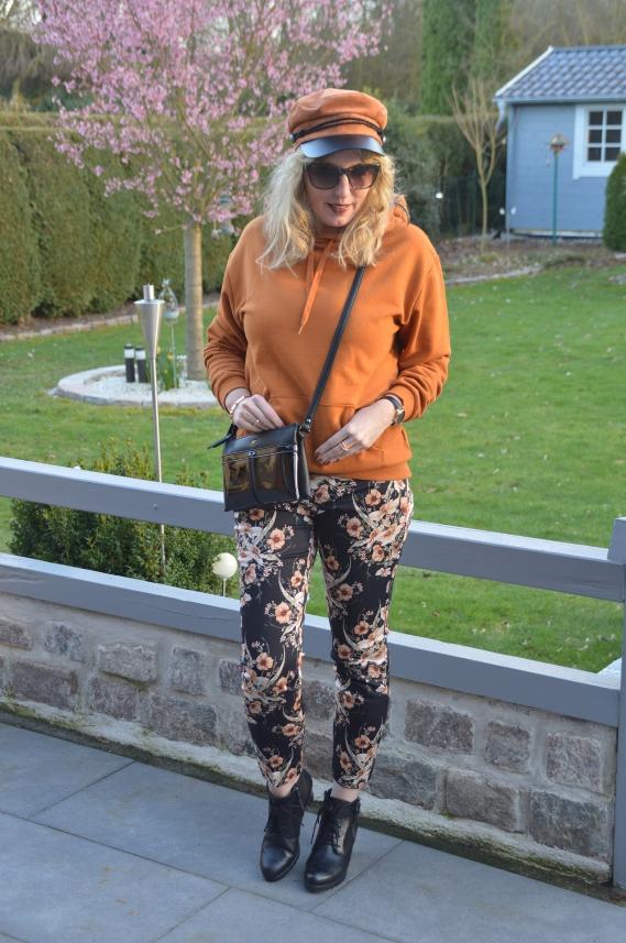 tolle sorten Kaufen Sie Authentic Talsohle Preis Geblümte Hose bei H&M geschnäppt - Ari Sunshine