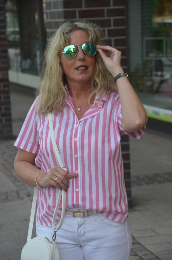 rosa-weiß gestreifte Bluse