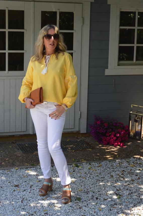 Gelb mit Weiß kombiniert