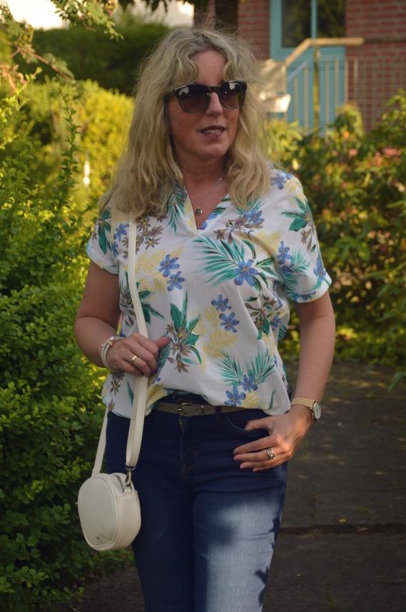 ü40 fashion blog ari sunshine