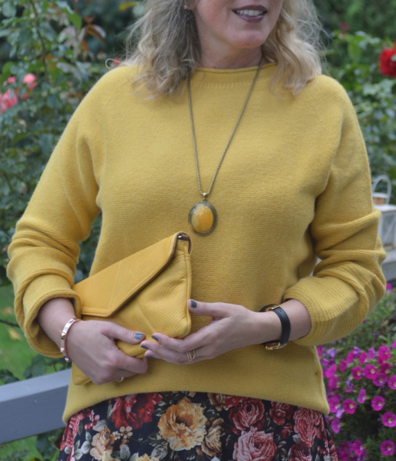 Herbst-Trendfarbe Senfgelb
