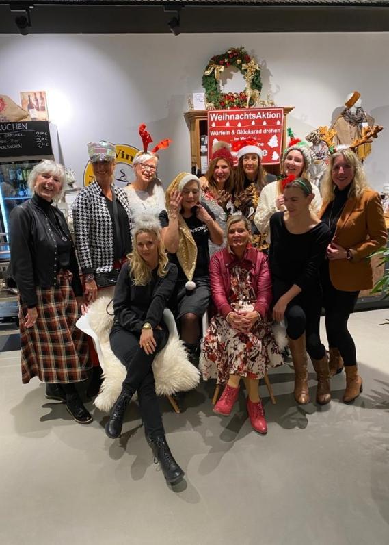 Gestern Nachmittag fand ein tolles Bloggertreffen im Winat Fashion Café in Quickborn statt.