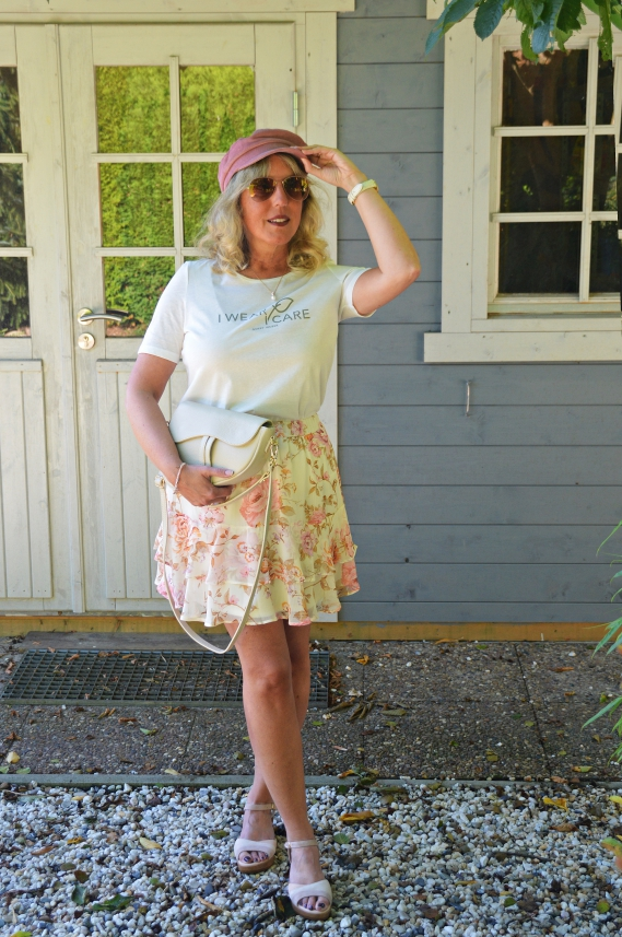 Minirock mit Blumenmuster im H&M Onlineshop