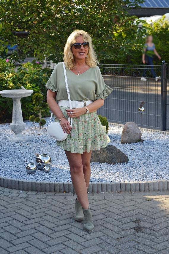 Ari Sunshine Ü50 Fashion Blog