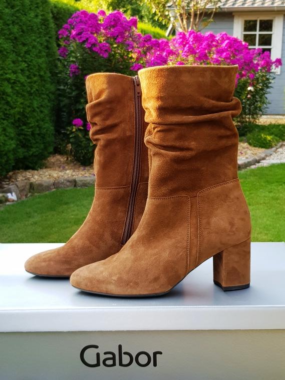 Schuhtrend in diesem Herbst: Stiefel mit Raffung