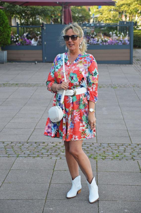 Das Konzept von Outfits24.de unterstütze ich gerne