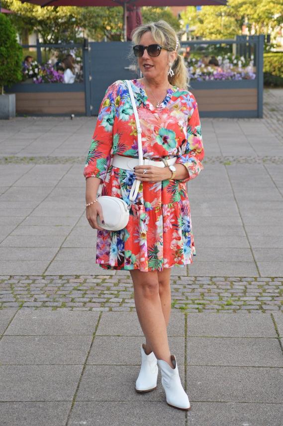 Produkte bei Outfits24.de von lokalen Modehändlern aus ganz Deutschland