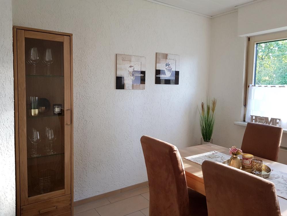 Vor kurzem hatten wir uns einen neuen Esszimmertisch in Eiche Bianco zugelegt