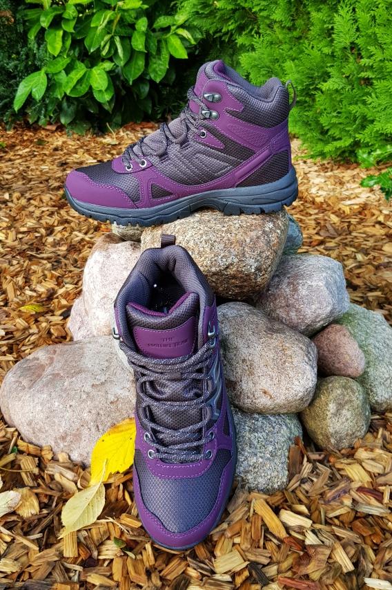 Die wasserdichten Trekking-Schuhe gibt es ebenfalls derzeit bei Tchibo