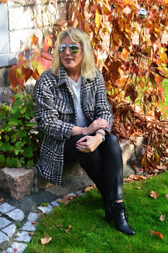 Tchibo Herbst Styles mit Hahnentritt-Dessin und Glencheck-Muster