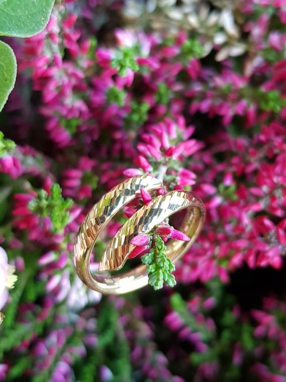 Den edlen Ring bekommt Ihr aktuell bei Tchibo