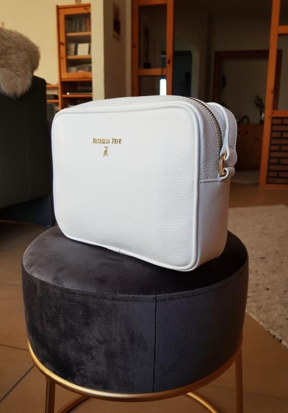 Wer kauft schon im Winter eine weiße Handtasche? Ich natürlich!