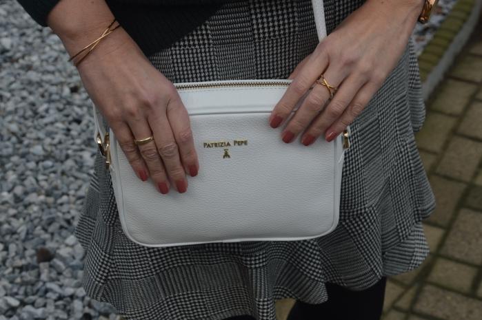 ü50 weiße Umhängetasche aus echtem Leder