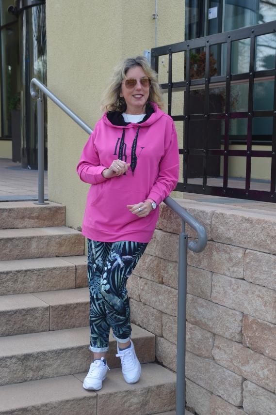 pinker Hoodie für Joga