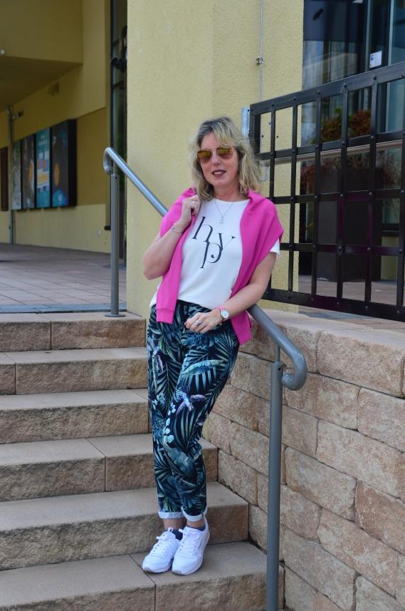 Bei der Betty Barclay Active Wear Kollektion happy steht der Wohlfühlfaktor im Vordergrund