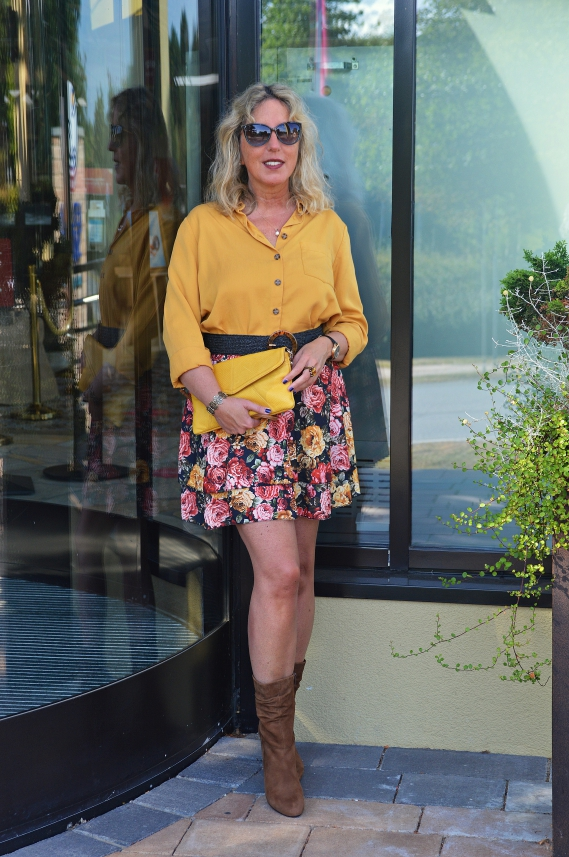 outfits mit blumenmuster