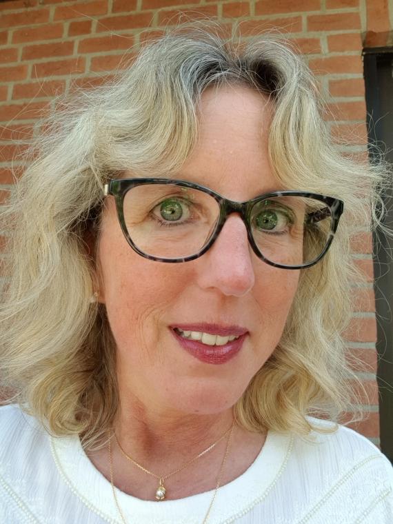 3 Gleitsichtbrillen für 449 € beim Optiker eyes + more