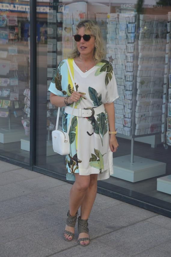 Legeres Kleid mit Kimonoärmeln von TUZZI