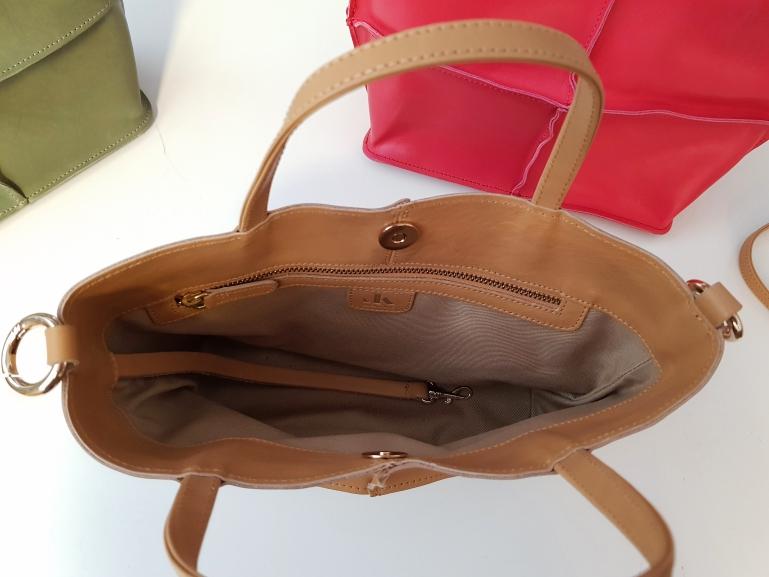 Die Tasche ist in insgesamt 25 verschiedenen Farben erhältlich, so dass garantiert für jede Taschenliebhaberin die Lieblingsfarbe dabei ist