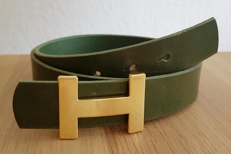 Ledergürtel in Khaki mit H Schnalle von Luca Kayz