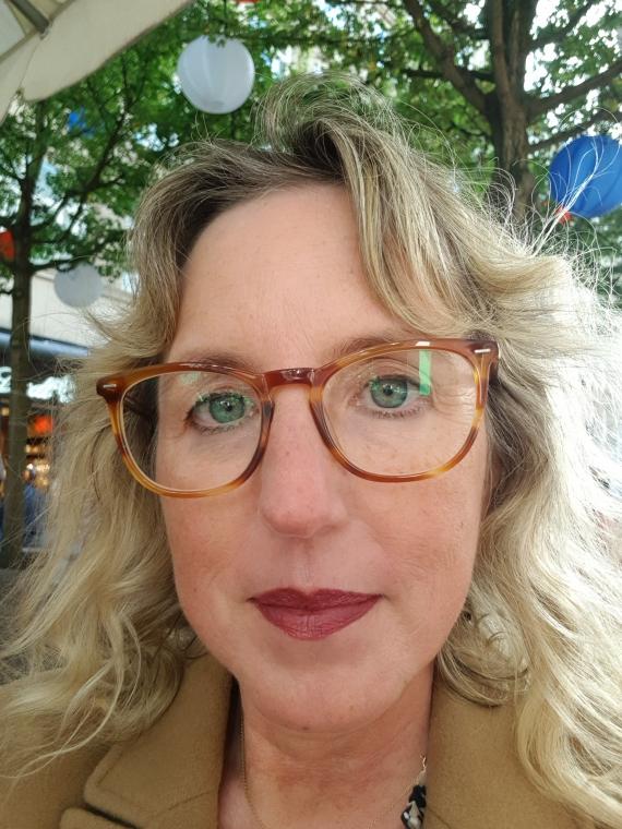 Neue Gleitsichtbrille von eyes + more